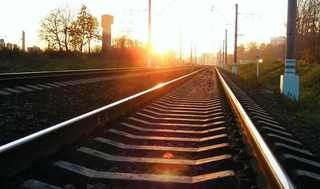 В Михайловске подросток попал под поезд, переходя дорогу в наушниках