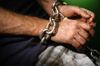 На Ставрополье мужчину будут судить за насилие и использование рабского труда