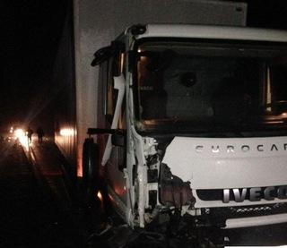 На Ставрополье грузовик столкнул в кювет легковушку и сбил ее водителя