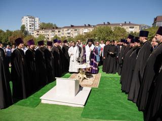 В Комсомольском парке Пятигорска заложен первый камень в основание храма в честь святителя Николая