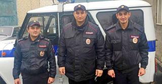 Полицейских из Ставрополья наградили медалями за спасение инвалида во время пожара