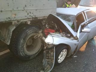 На Ставрополье уснувший за рулем водитель врезался в КамАЗ