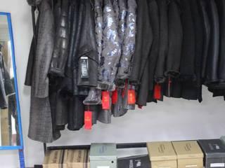 В Железноводске пресекли нелегальную продажу сомнительной одежды