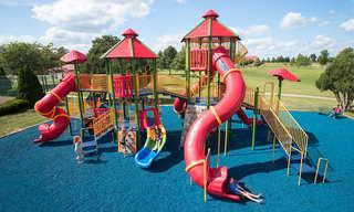 По каким критериям выбирать детскую площадку
