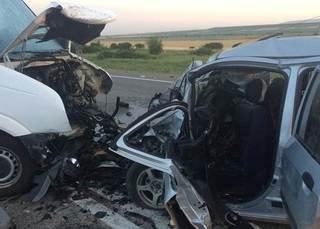 В ДТП на Ставрополье два человека погибли и 11 пострадали