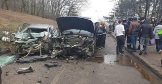 В курортной зоне Пятигорска при лобовом столкновении погиб водитель