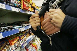 В Пятигорске вор на костылях похищал товар из магазинов