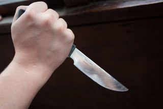 На Ставрополье подросток ударил мужчину ножом в спину за запрет играть в прятки