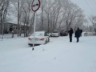 Гололед вызвал транспортный коллапс в Ставрополе