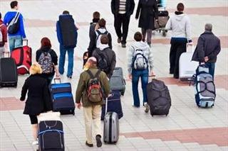 Медведев поручил федеральным ведомствам усилить защиту прав российских туристов