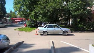 В Пятигорске во дворе жилого дома водитель сбил 83-летнюю пенсионерку
