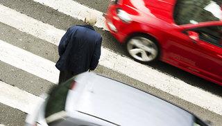 На Ставрополье лихач на иномарке сбил троих пешеходов