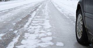На дорогах Ставрополья гололед и снежный накат