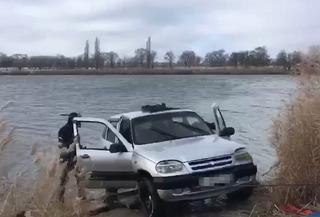На Ставрополье лихач чуть не утонул, уходя от полиции