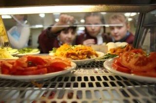 Ставропольские школы оштрафовали почти на 880 тысяч рублей за некачественное питание