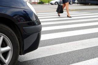 В Невинномысске водитель сбил на переходе женщину и скрылся с места ДТП