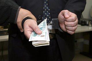 Чиновник из Кисловодска подозревается в получении миллионной взятки во время ремонта Каскадной лестницы