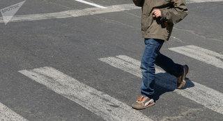 В Невинномысске водитель иномарки сбил двух подростков на пешеходном переходе