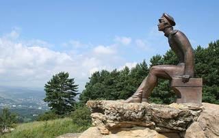 Памятник Лермонтову вернулся на гору Красное Солнышко