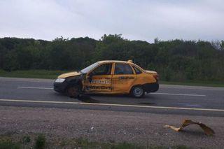 В Предгорном районе в ДТП по вине таксиста пострадала девушка