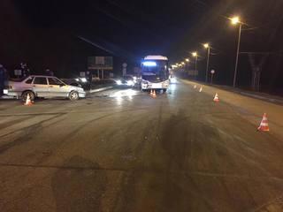 На въезде в Пятигорск автомобилистка врезалась в рейсовый автобус