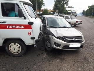 В Невинномысске фельдшер скорой помощи пострадала по вине злостного нарушителя ПДД