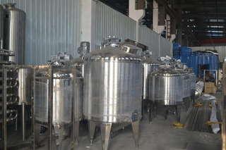 Применение резервуаров из нержавеющей стали для хранения виноматериалов